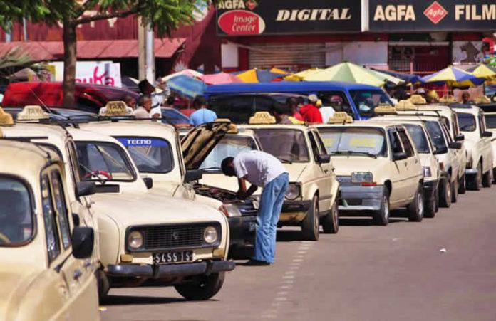 Les taxis clandestins pullulent
